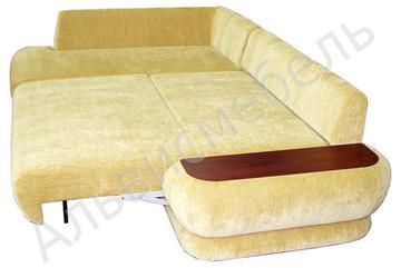 диван угловой российского производства.